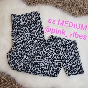 VS PINK M Grey Leopard Logo Leggings